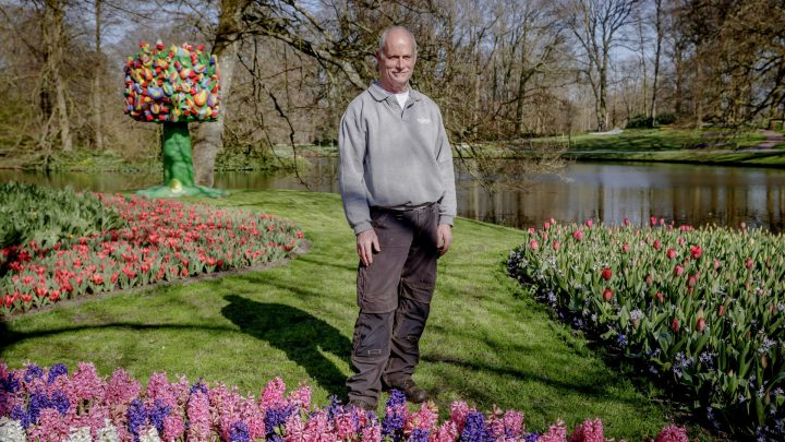 Gardener André in the lake garden